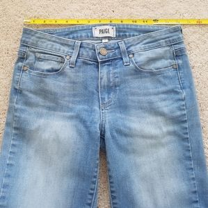 Light wash PAIGE midrise stretchy skinnies size 27